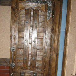 Дверь под старину «Радосвета»