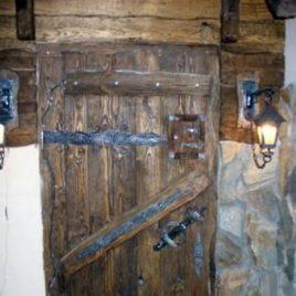 Дверь под старину №1