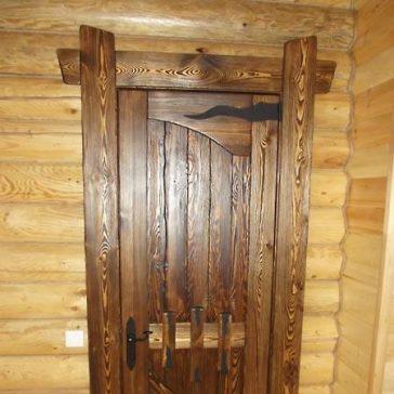 Дверь под старину «Комфорт»