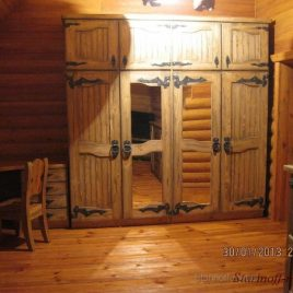 Шкаф под старину «Яромир»