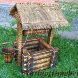 Деревянный колодец в старинном стиле