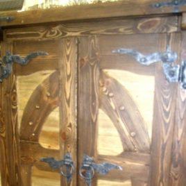 Шкаф под старину «Мануил»