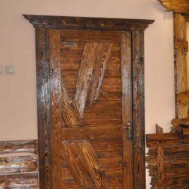Дверь под старину «Богдана»